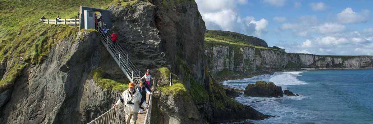 Cross the thrilling Carrick-a-Rede rope bridge on our Giants Causeway day tour