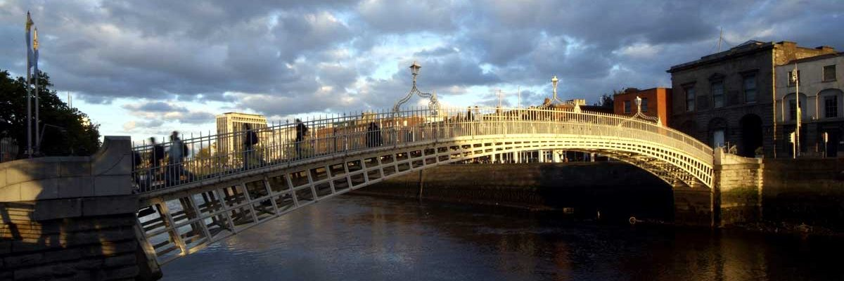 The hapenny bridge, one of the most famous sights of Dublin City